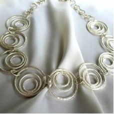Hammered Circles 8 Necklace