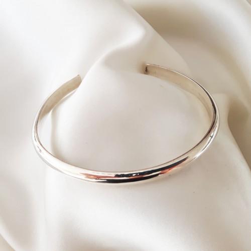 Plain open bangle/cuff