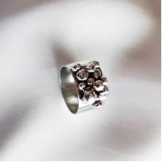 Pebbles Ring